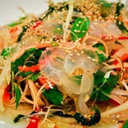 Lạ miệng với món gỏi sứa Sài Gòn